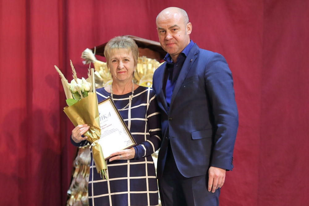 Сергій Надал привітав освітян