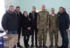 """Представники """"БПП """"Солідарність"""" завітали з гостинцями до бійців 44-ї бригади"""