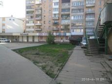 Демонтовано тимчасову споруду – металевий каркас з бульвару С. Петлюри, 2