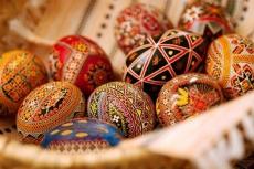 Велетенські писанки прикрашатимуть центр Тернополя на Великдень