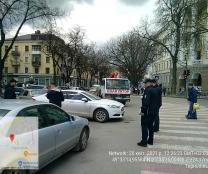 Від початку року інспектори з паркування винесли у Тернополі 2000 постанов за порушення правил зупинки, стоянки, паркування транспортних засобів