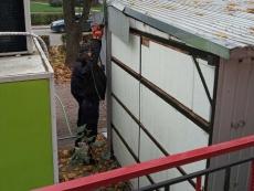 На вул. Миру проводиться демонтаж незаконної тимчасової споруди