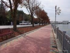 Набережну Тернопільського ставу на вул. Руській встелили тротуарною плиткою