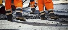 На тернопільських дорогах тривають роботи з ліквідації глибоких вибоїн
