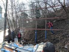 У Тернополі демонтували незаконно встановлений білборд
