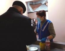 Під час пандемії коронавірусу Благодійна їдальня у Тернополі працює в режимі самовиносу