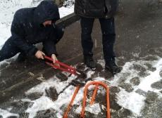 На вул. Максима Кривоноса демонтували паркувальні бар'єри