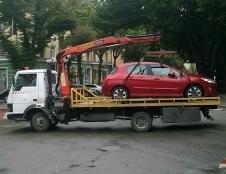 У Тернополі муніципальні інспектори евакуювали та перемістили на штраф-майданчик 10 транспортних засобів