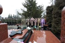 На Микулинецькому кладовищі вшанували пам'ять загиблих у АТО