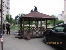 У Тернополі демонтували тимчасову споруду з бульвару Дмитра Вишневецького