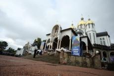 Очільник Тернополя Сергій Надал взяв участь у Архиєрейській Божественній літургії у Зарваниці