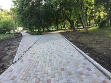 У Тернополі триває капітальний ремонт трьох тротуарів та п'яти дворів