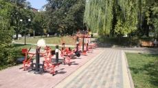 У сквері на вул. Богдана Лепкого та у мікрорайоні Пронятин встановили вуличні спортивні тренажери