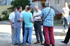 Міський голова оглянув якість виконання ремонту тротуару та системи теплопостачання на вул. Лесі Українки