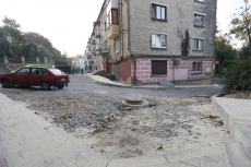 Сергій Надал перевірив якість виконання ремонту двору за адресою вул. Руська, 2