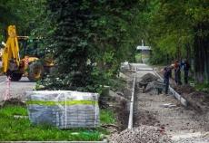 На Сахарова збудовано дощовий колектор