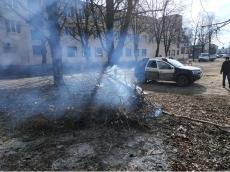 Муніципальними інспекторами зафіксовано у Тернополі два факти спалювання сухої рослинності