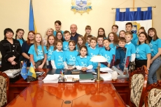 Тернопільські учні побували в кабінеті міського голови з нагоди Всесвітнього дня дитини
