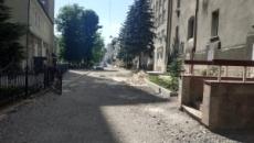 На вул. Січинського триває капітальний ремонт проїзду
